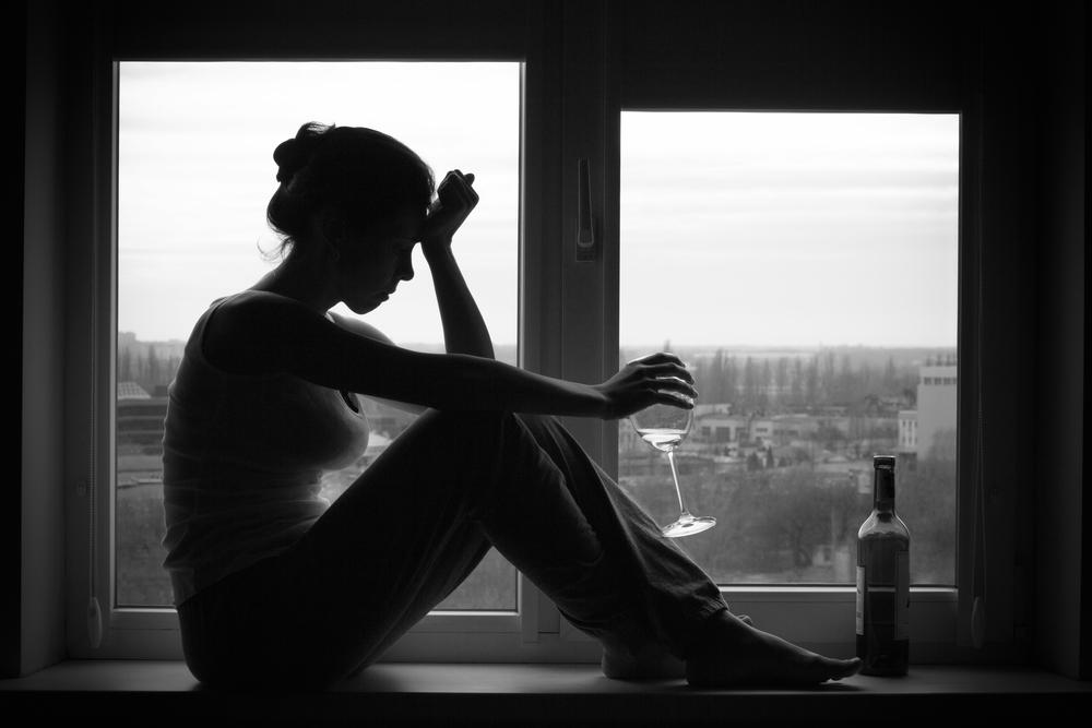 Женский алкоголизм причины симптомы и признаки Последствия и лечение