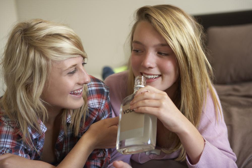 Детский алкоголизм: причины